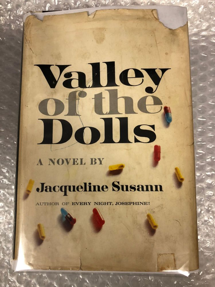 Valley of the Dolls. Jacqueline Susann.